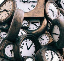 vários relógios - semônica